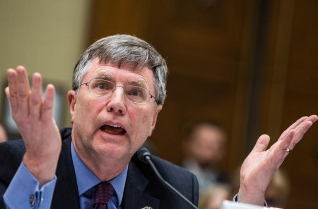 Pressioni del Dipartimento di Stato sulla FBI per evitare l'incriminazione della Clinton