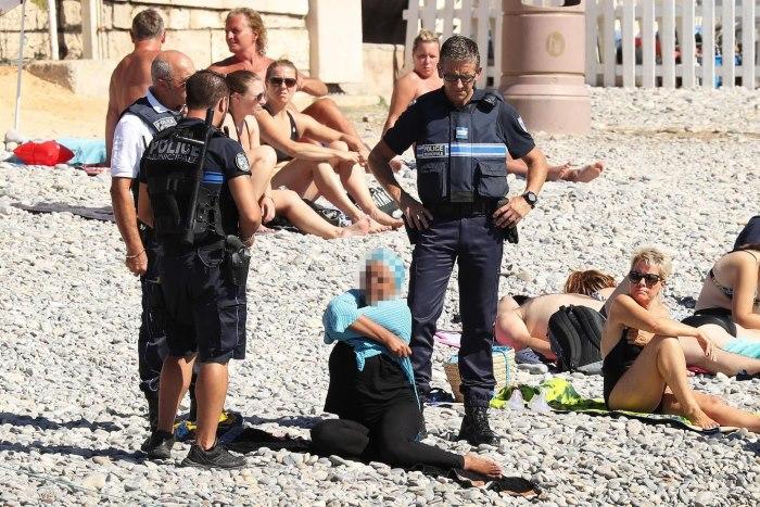 In Francia il Consiglio di Stato sospende decreto anti-burkini