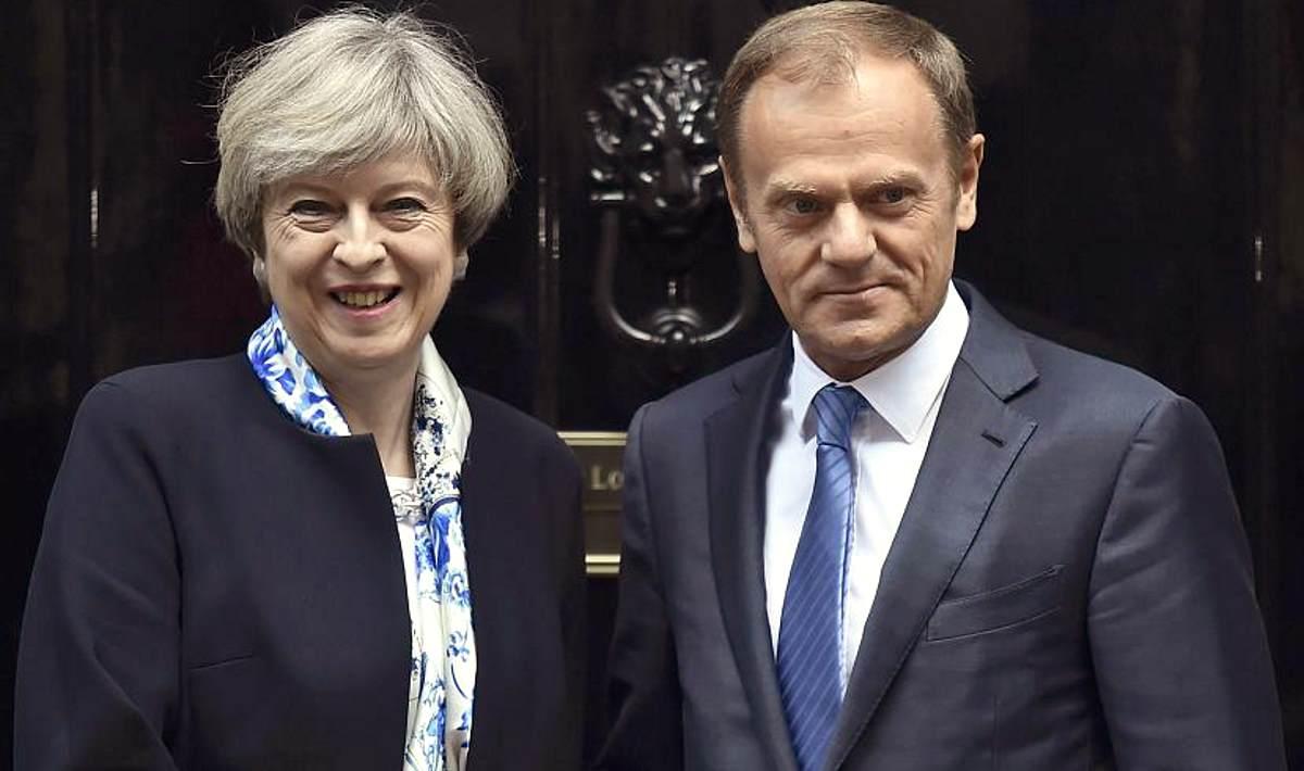 Brexit, si o no? Intanto sui passaporti l'Ue è già sparita