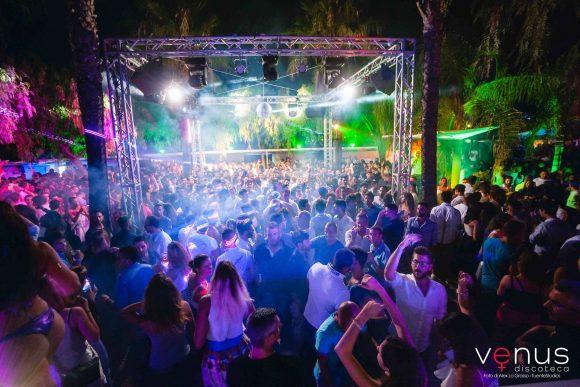 Al VENUS di Marinella, un grande party per chiudere la stagione