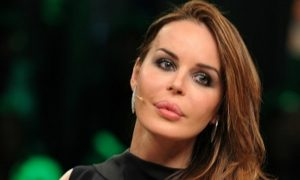"""Nina Moric contro le accuse di Corona: """"Questo è solo l'inizio…"""""""