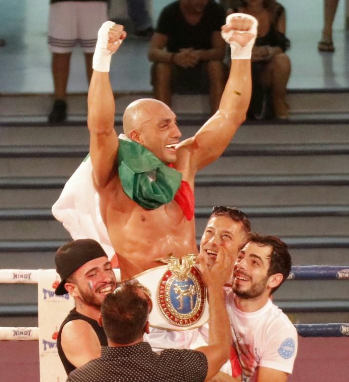 Il Nostro Fighter Siciliano Maugeri Piero si laurea CAMPIONE DEL MONDO DI KICKBOXING