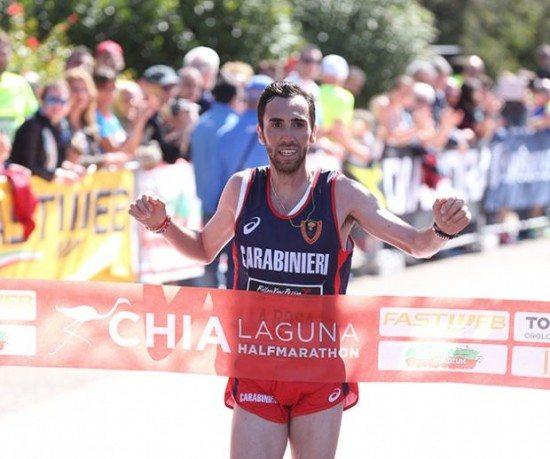 Stefano La Rosa vince la mezza maratona Chia Laguna
