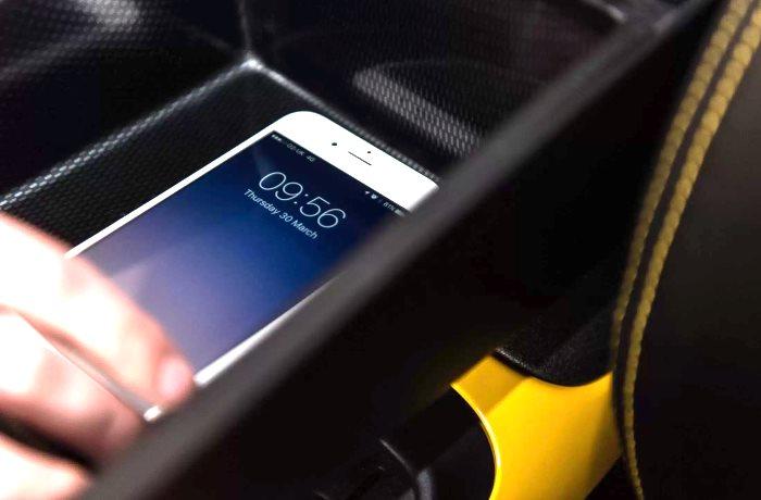 Nissan riscopre la gabbia di Faraday per diminuire il rischio distrazione di chi è al volante