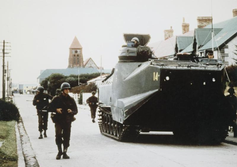 2 aprile 1982: Truppe argentine invadono le Isolo Falkland