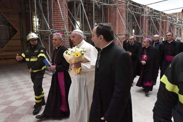 Papa Francesco a Carpi in visita pastorale alla popolazione colpita dal sisma del 2012