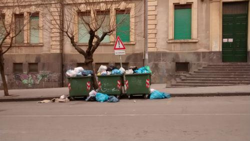 Enna. Emergenza rifiuti: 4.400.000 mila Euro per avere una città ridotta in questo modo!