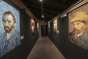 """Taormina: Oltre 2500 visitatori per la mostra """"Van Gogh Multimedia Experience"""" a Palazzo Corvaja"""