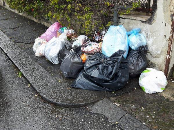 Catania, i cittadini ignorano la raccolta differenziata