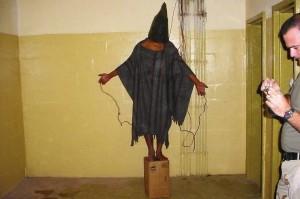 28 aprile 2004: Scoppia lo scandalo delle torture ad Abu Ghraib