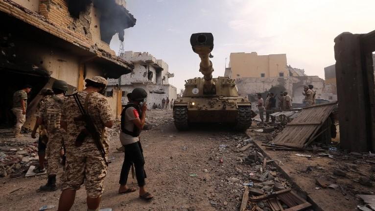 Libia: Violenti scontri tra fazioni rivali scoppiati a est di Tripoli » Guerre nel Mondo