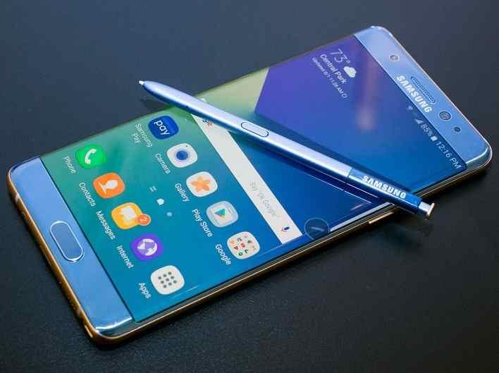 Samsung ritarda l'uscita di nuovi modelli dopo aver identificato i problemi che hanno portato al ritiro del Note 7