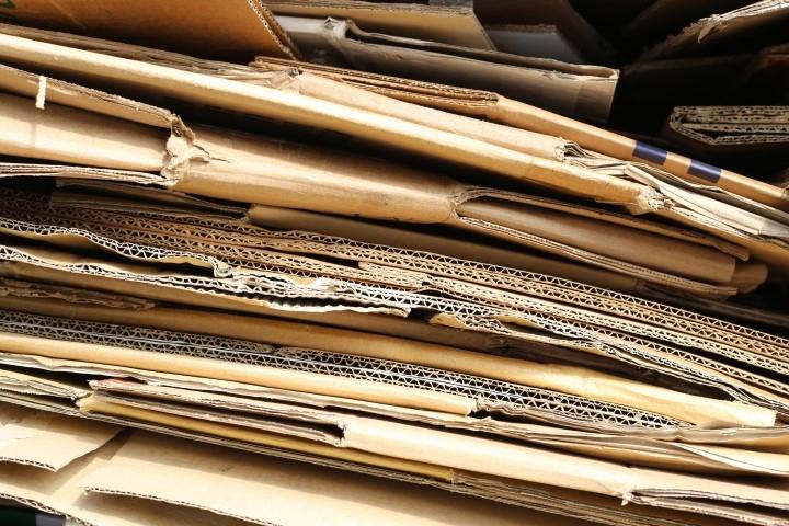Trituratore SatrindTech installato in una linea di recupero cartoni da imballaggio in Belgio