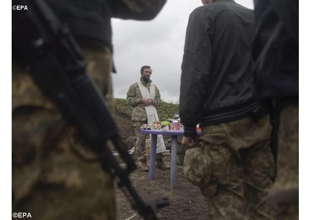 Ucraina: Uccise 3 persone in scontri tra esercito e ribelli nonostante armistizio di Pasqua » Guerre