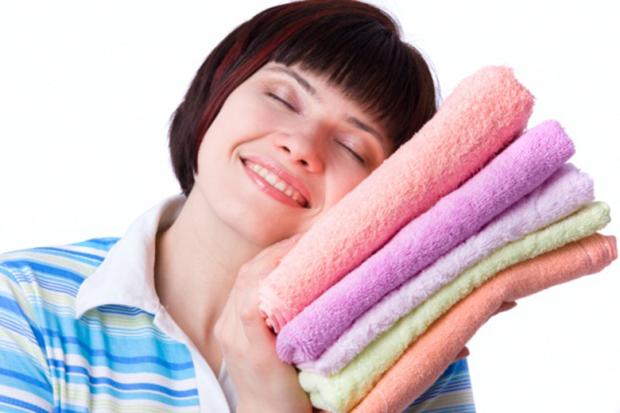 Come eliminare l'odore di muffa dal bucato
