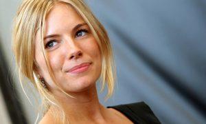Ben Affleck non vuole Catwoman, nulla di fatto per Sienna Miller
