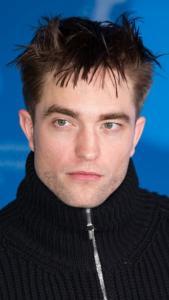 Robert Pattinson dice no a scena di sesso con un cane