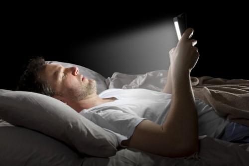 Cecità temporanea in chi utilizza gli smartphone di notte