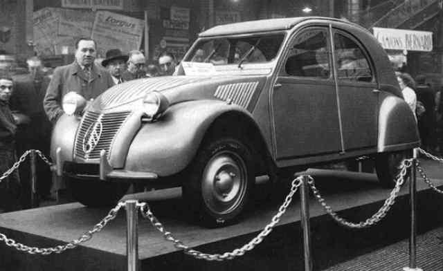7 ottobre 1948: Debutta a Parigi la Citroën 2CV