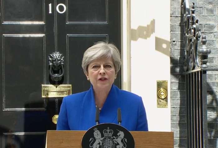 Gran Bretagna. Theresa May forma il nuovo governo con gli unionisti dell'Irlanda del Nord