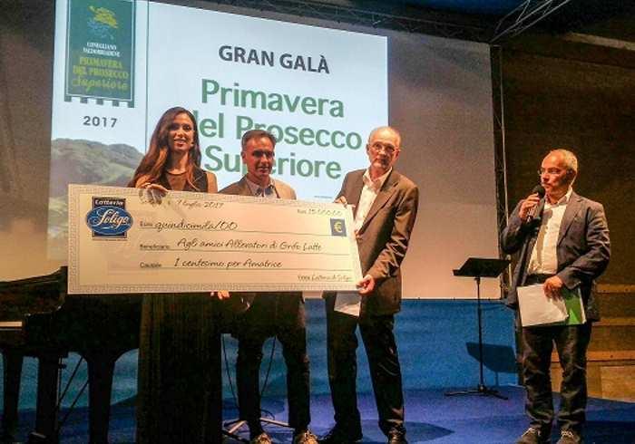 Il latte della solidarietà Soligo consegna 15mila euro alle stalle terremotate del centro Italia