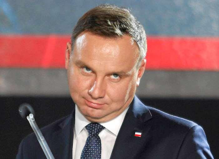 A sorpresa, il presidente Andrzej Duda pone il veto sulla riforma del sistema giudiziario in Polonia