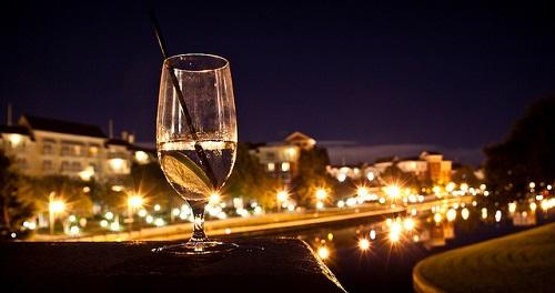Meglio vedere il bicchiere mezzo pieno o mezzo vuoto?