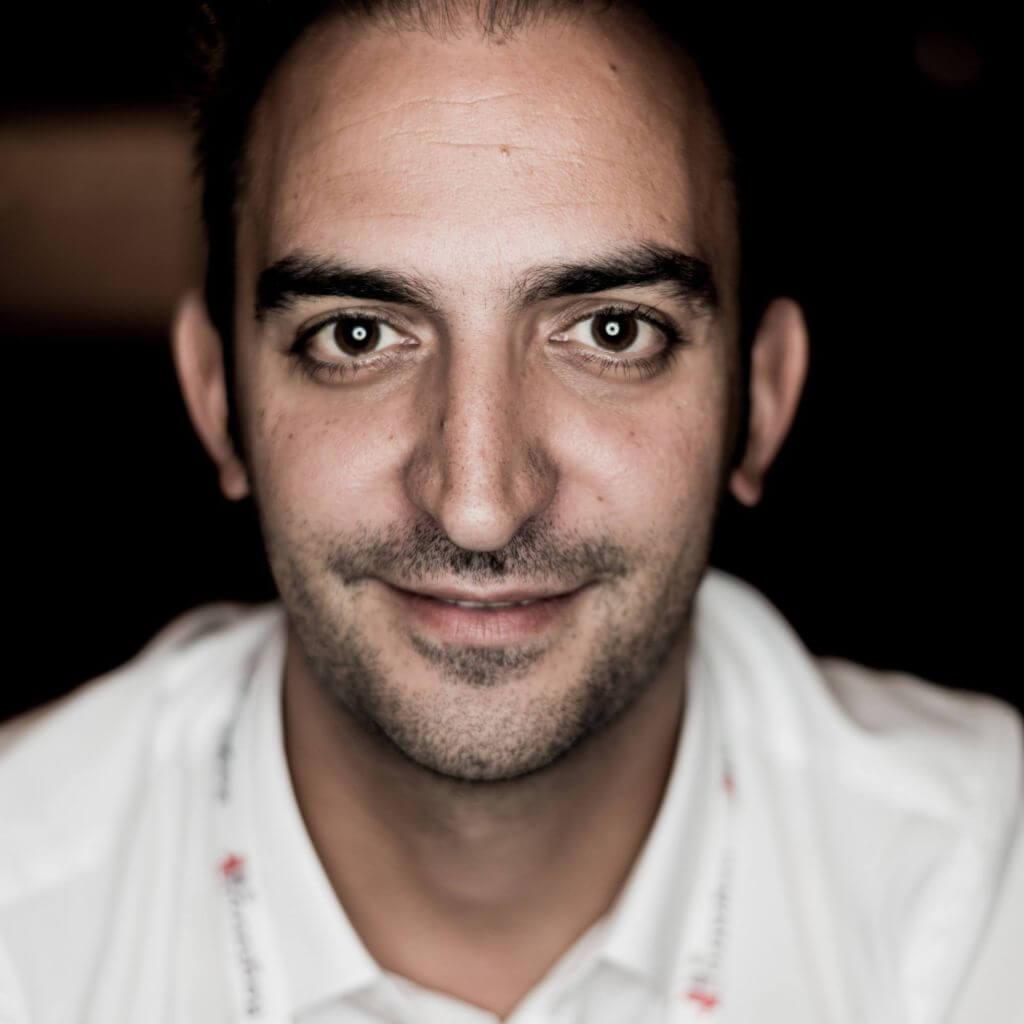 Passione, ambizione, persistenza, coraggio. Intervista ad Alessio Semoli