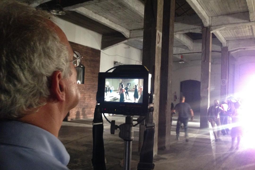 Indizi di felicità: Walter Veltroni dirige un docufilm sul senso della felicità, dal 22 maggio al cinema