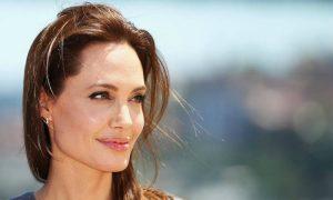 Angelina Jolie non è più single ed è pronta alle nozze! Chi è il fortunato? Brad Pitt s'infuria