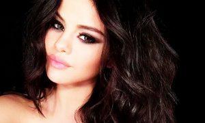 Selena Gomez è diventata un marchio (e pensa a una linea di gioielli)