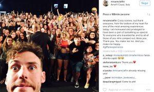 Sam Claflin a Giffoni ed è subito festa, cosa avrà fatto per far impazzire i fan?