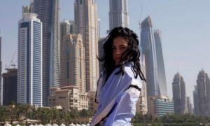 Giulia De Lellis: i look sfoderati a Dubai