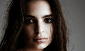 Emily Ratajkowski modella speciale per Vogue [VIDEO]