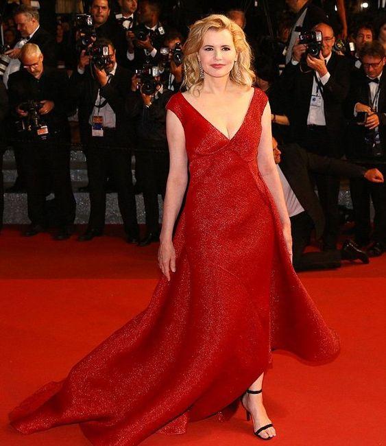 """Cannes: Geena Davis è la """"woman in red"""" del Festival"""