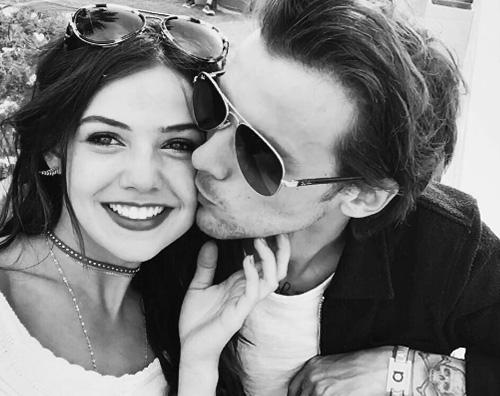 Louis Tomlinson bacia Danielle su Instagram