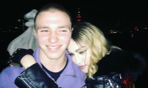 Il figlio di Madonna Rocco è stato arrestato a Londra. Tutta colpa della droga