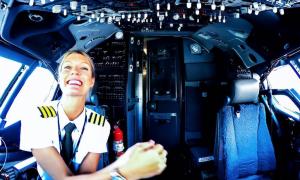 Maria, storia di una pilota di aereo che spopola su Instagram