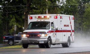 Morto suicida dentro la sua auto: la star si dispera per il figlio