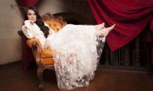 Gocce di Gossip: Romina Carrisi debutta a teatro, Lindsay Lohan si è convertita all'Islam…