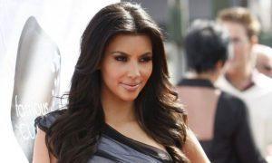 Kim Kardashian sequestrata in albergo a Parigi da uomini armati