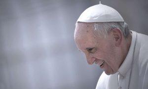 Papa Francesco compie 80 anni: tanti auguri al Pontefice della rivoluzione