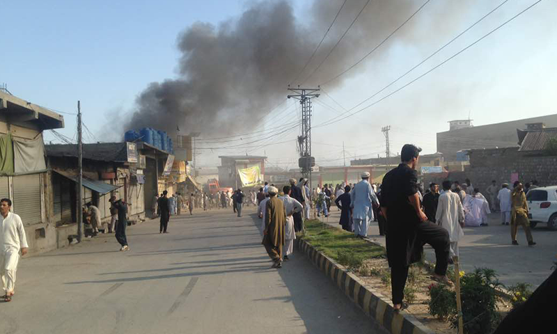 Pakistan: Più attacchi terroristici in tutto il Pakistan causano 62 morti e 100 feriti, rivendicati