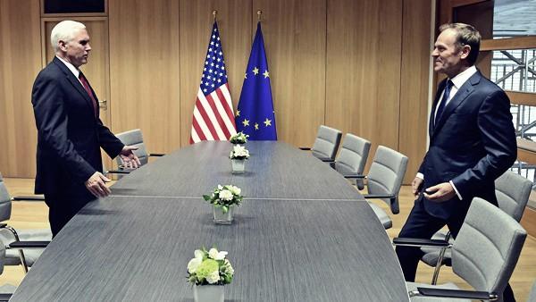Vicepresidente USA Pence a Bruxelles: incontro con Tusk e parole promettenti
