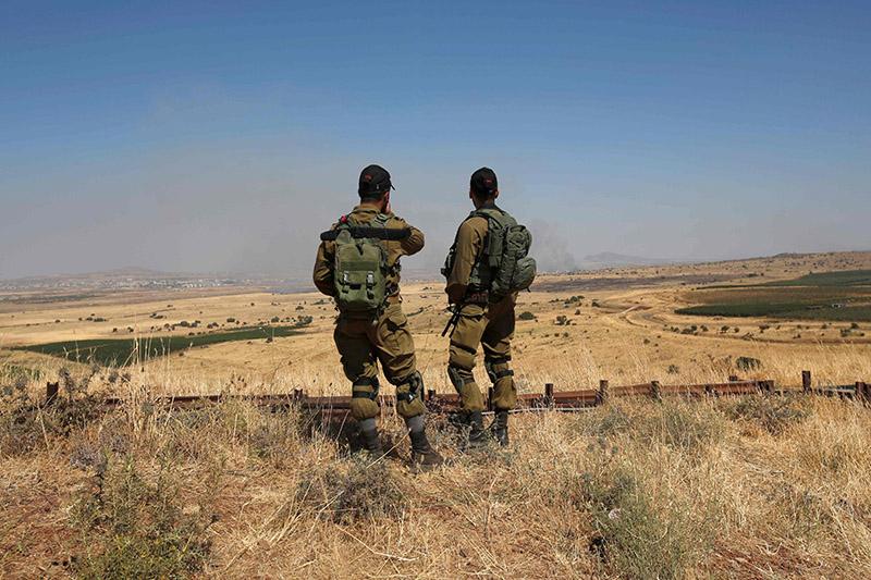 Israele: Caccia israeliani colpiscono diversi obiettivi in Siria in risposta a attacchi con razzi »