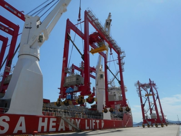 Hansa Heavy Lift delivers six large RTG cranes from Japan to Turkey | Supply Chain