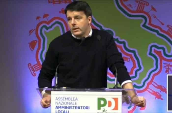 Matteo comes back. L'assemblea degli amministratori PD per il ritorno ufficiale di Renzi sulla scena politica
