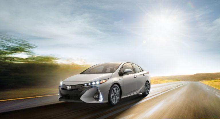 Nuova Toyota Prius plug-in: prezzi e consumi