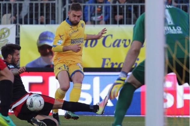 Il Frosinone affianca il Verona in testa, continua a salire la Spal