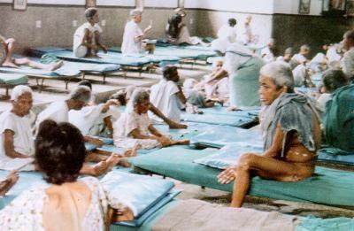 Avvenire: Quelle assurde accuse alla Santa di Calcutta (ma che Avvenire conferma)